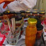 Разни видови на производи од мед, прополис, полен.